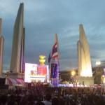 Demonstraties bij monument voor de democratie