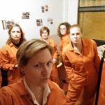 Dikke pret met collega's in een escaperoom
